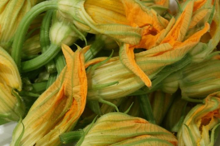 Ricetta fiori zucca ripieni in pastella