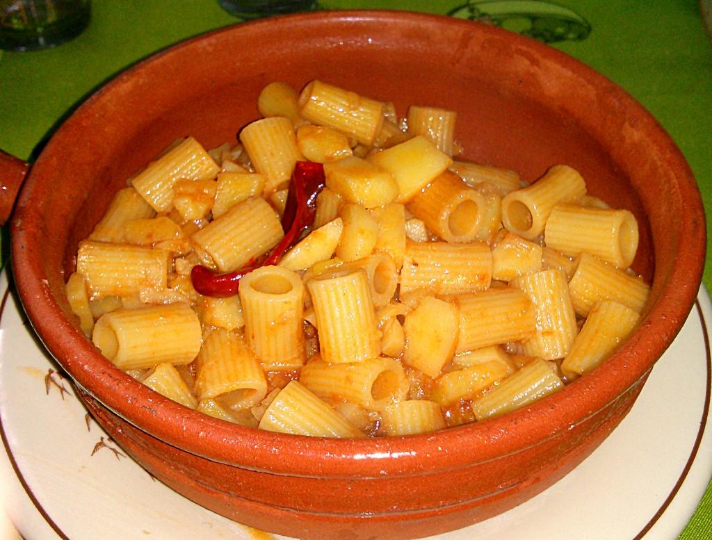 Ricetta pasta e patate con sugo