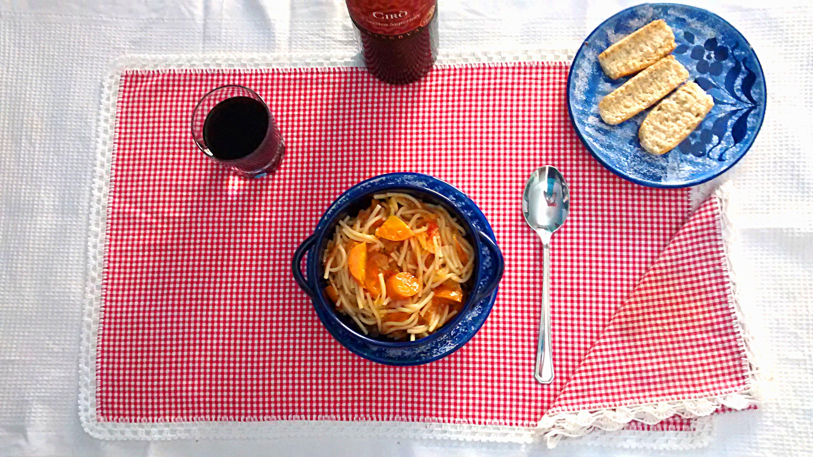 Zuppa con spaghetti