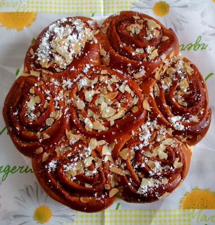 Ricetta Roselline con crema di nocciole