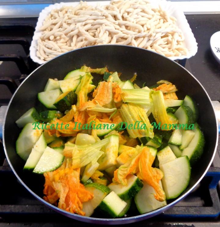Ricetta Strozzapreti e zucchine