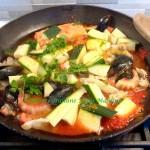Sugo di pesce misto e zucchine